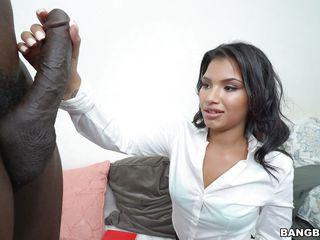 Порно первый раз в попу подборка
