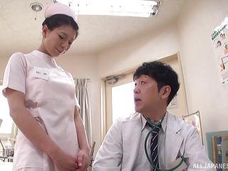 Порно у врача смотреть онлайн