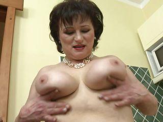 Порно видео женщин с большими сиськами